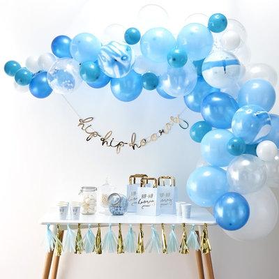 Arche de ballons bleus